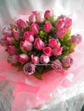 AHR1387 (Mixed purple & pink roses)