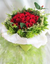 AHB9862 - Red roses