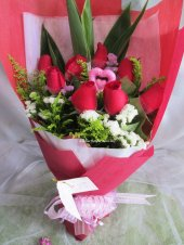 AHB9863 - red roses