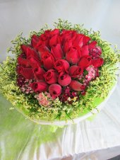 AHB9981 - Red roses