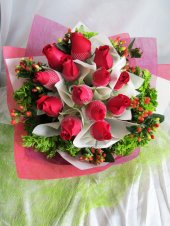 AHB9879 - Red roses
